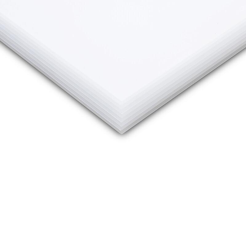 Plazcast bezbarwny logo